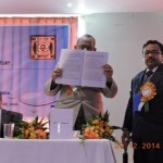 Shri Dipak Ray, President, Governing Body, Sripat Singh College formally publishing the book of abstracts.